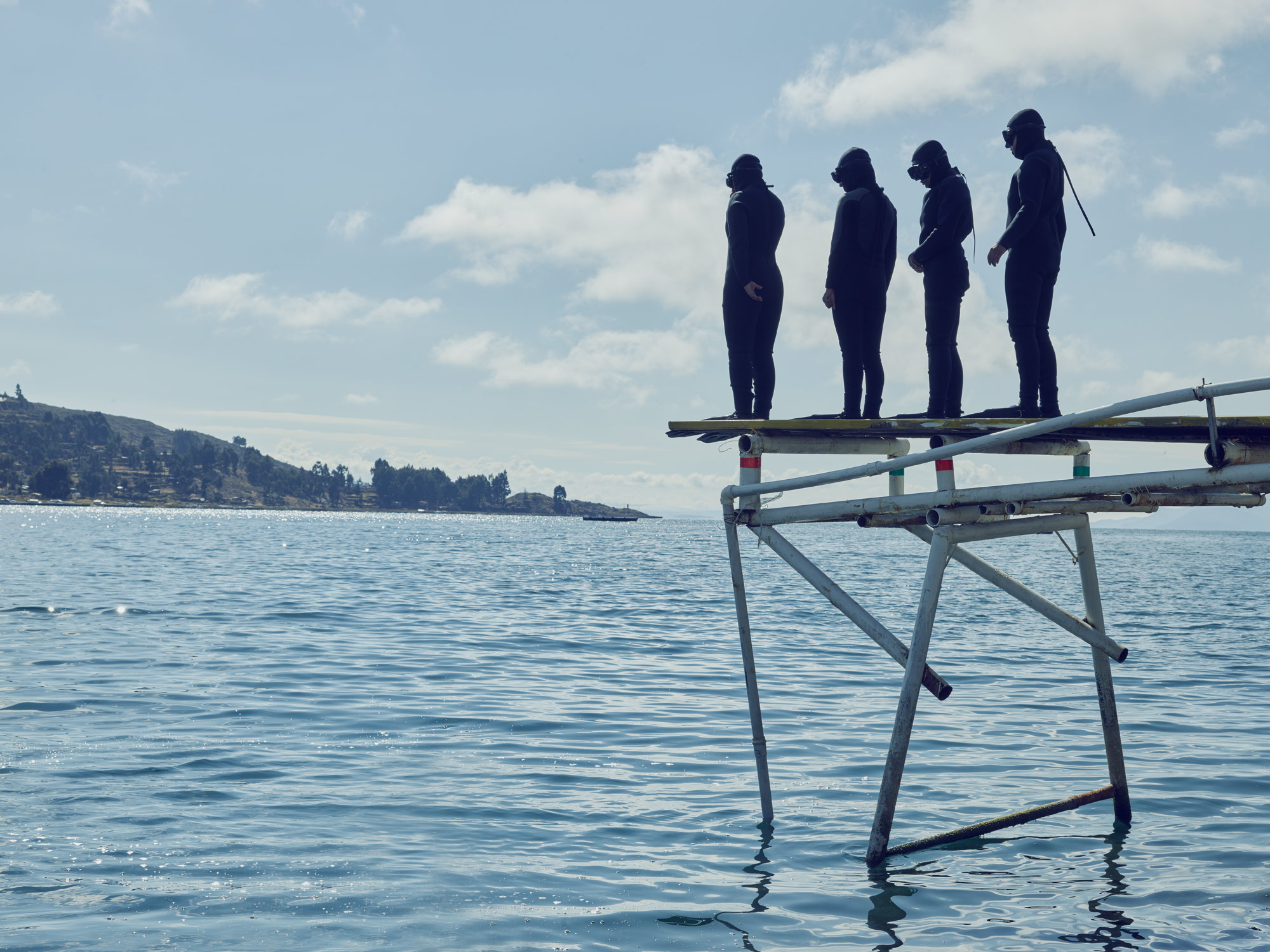 Bolivian Navy swimmers scuba